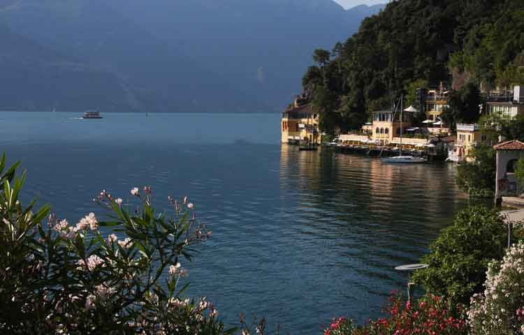 Private Taxi transfer from Milan Malpensa Airport to Limone sul Garda