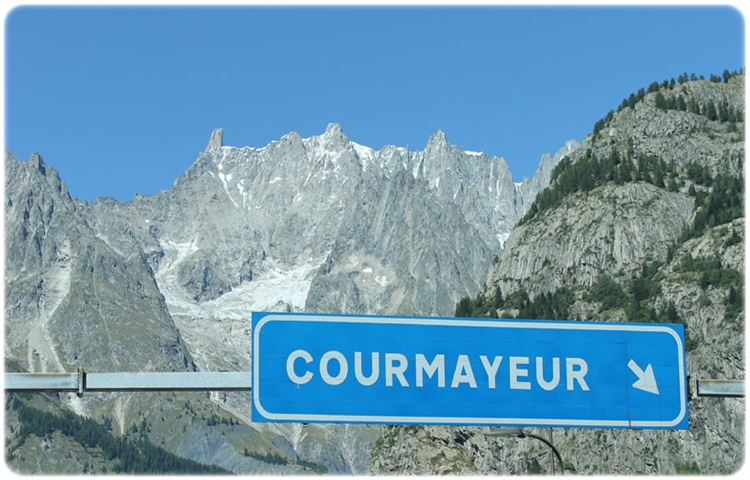 Private Taxi transfer from Milan Linate Airport to Courmayeur