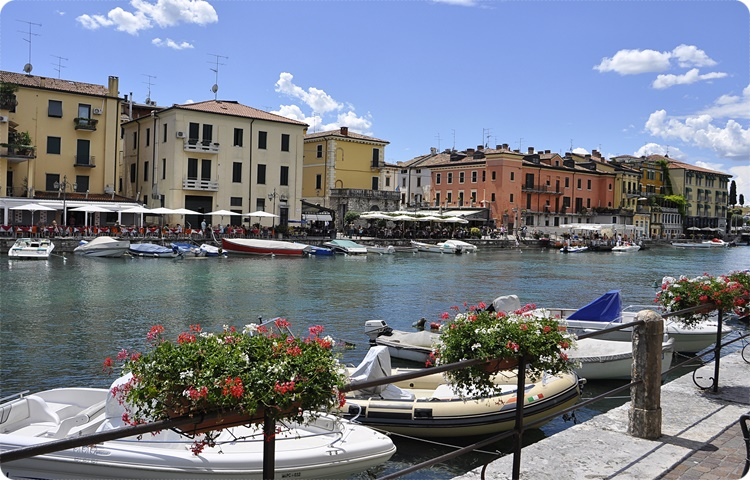 Private Taxi transfer from Lugano to Peschiera del Garda
