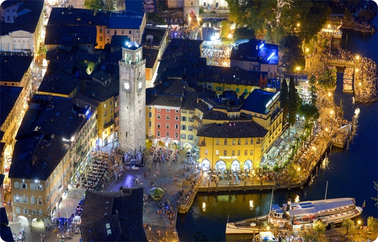 Private Taxi transfer from Lugano to Riva del Garda